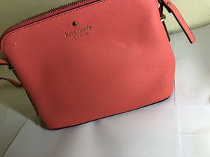 Kate Spade New York Purse WITH TAGS (SLIGHT DEFECT) for Sale in Wichita, KS