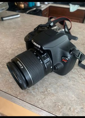 Canon T5 for Sale in Dearborn Heights, MI