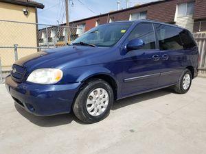 2005 Kia Sedona minivan for Sale in Salt Lake City, UT