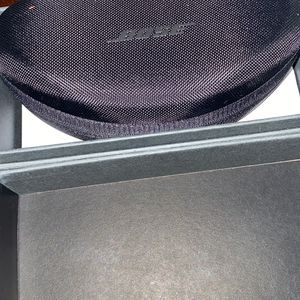 BOSE sport Bluetooth Sunglasses for Sale in Waltham, MA