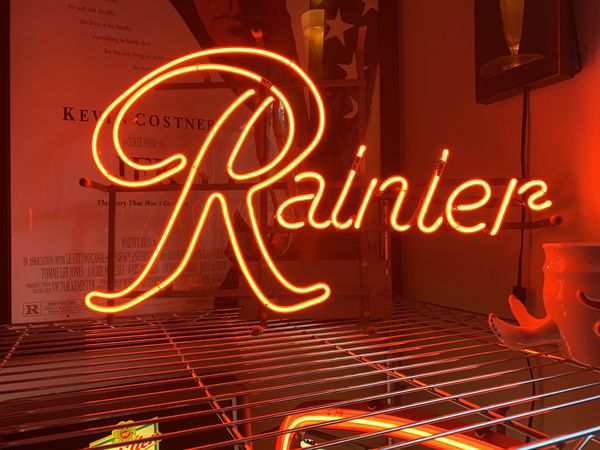Rainier Beer Neon Sign Collectible Man Cave for Sale in