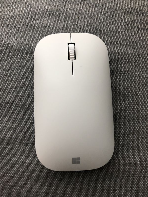 NWOT Microsoft Surface Mobile Mouse in Platinum