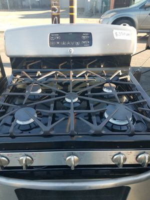 GE gas stove w/5 burners for Sale in San Leandro, CA