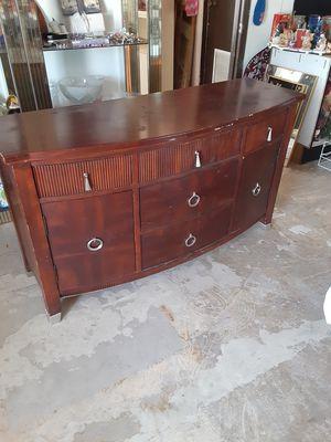 Dresser for Sale in Zolfo Springs, FL
