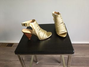 Vince Camuto braided gold dress sandal 7 1/2 for Sale in Taylor, MI