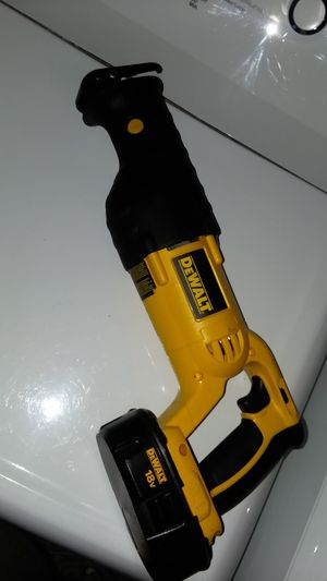 Brand new 18 voltdewalt power saw for Sale in Columbus, OH
