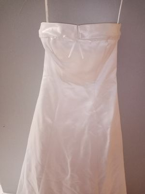 Davids bridal wedding dress size 2 obo for Sale in Taylor Landing, TX