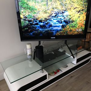 Tv Stand Modern Black And White for Sale in Los Angeles, CA