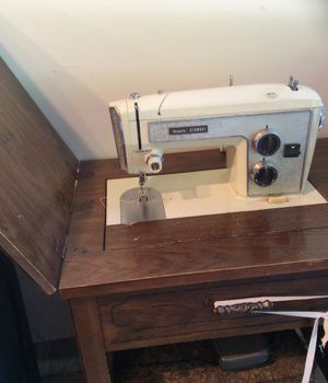 Vintage Sears Kenmore sewing machine for Sale in Fox Lake, IL
