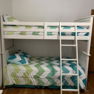 White Wooden Twin Bunkbeds With Mattressess for Sale in Appleton, WI
