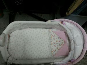Minnie Mouse Baby crib. for Sale in Bladensburg, MD