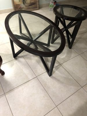 Coffee table and side table for Sale in Miami, FL
