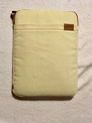 Incase Macbook pro 12 in sleeve for Sale in Auburndale, FL