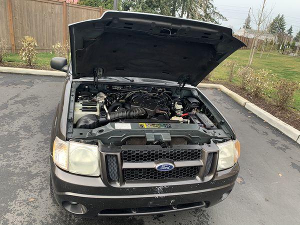 2005 Ford Explorer Sport Trac XLT SB RWD V6