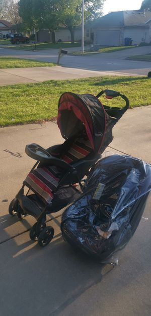 Car seat and stroller for Sale in Springfield, MO