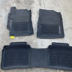 Toyota Camry Used Rubber Mats for Sale in Orlando, FL