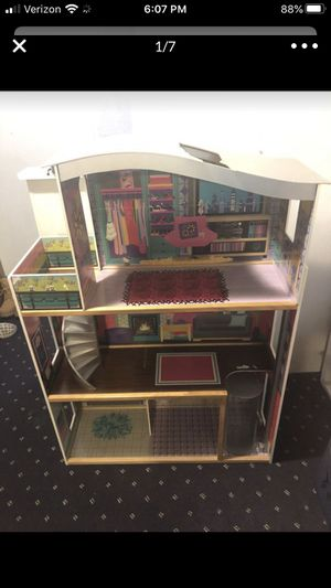 Kids craft Barbie house. FREE FREE FREE for Sale in Parma Heights, OH