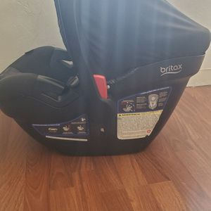 Britax Car Seat With Two Bases for Sale in San Diego, CA