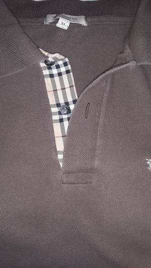Burberry Size XL for Sale in Fresno, CA