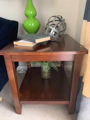 SET OF 2 BEAUTIFUL BROWN END TABLES for Sale in Severn, MD