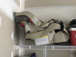 Baby car seat for Sale in Reynoldsburg, OH
