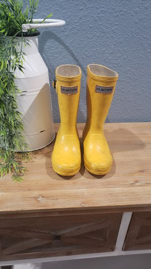 Girls size 12 rainboots for Sale in Round Rock, TX
