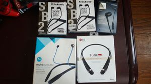 Wireless headsets Bluetooth Skullcandy lg philips motorola for Sale in Elizabeth, NJ