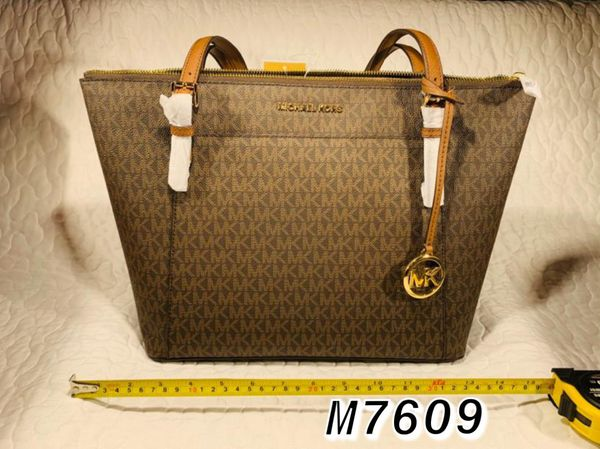 Michael Kors Purses & Wallets