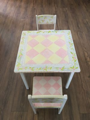 Kids table and chairs for Sale in Dunedin, FL