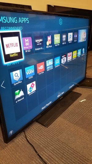 "40""SAMSUNG Led HD 1080p Smart TV wi-fi clear Motion 120hz model is UN40EH5300 for Sale in San Jose, CA"