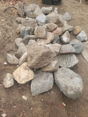 FREE LANDSCAPING ROCKS for Sale in Temecula, CA