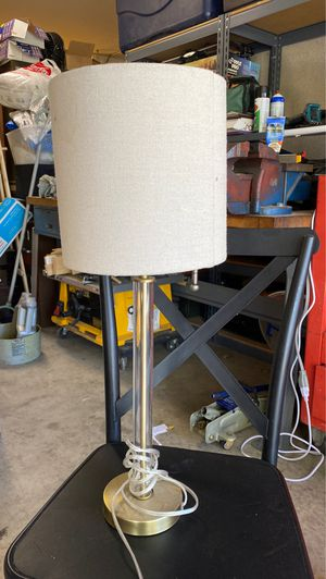 Lamp w shade for Sale in Rancho Cucamonga, CA
