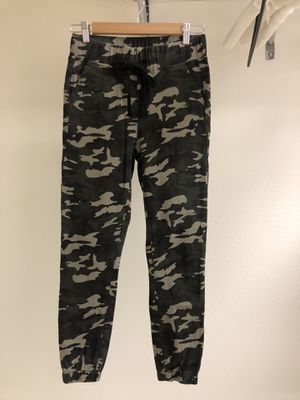 Camo pants for Sale in Oregon City, OR