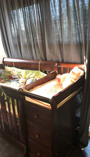 Crib for sale - used a few months for Sale in Hayward, CA