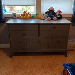 Dresser And Night Stand for Sale in Bonney Lake,  WA