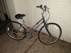 GIANT Cypress ll bicycle, for parts for Sale in Baltimore, MD