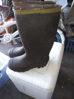Work/water boots size small for Sale in Lakeland, FL