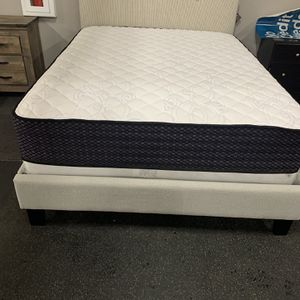 Queen Bed Frame Platform Bed On SALE for Sale in Federal Way, WA