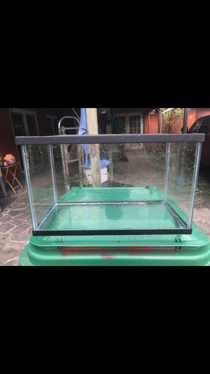 10 gallons fish tank $25 obo for Sale in Miami, FL