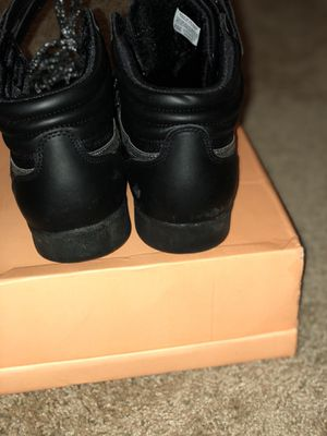 Reebok with glittery shoe strings size 9.5 for Sale in Baltimore, MD