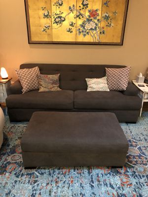 Modern Gray Couch with Ottoman- must be picked up Monday 8/27 for Sale in Austin, TX
