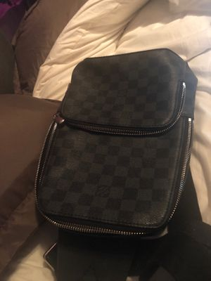 Louis Vuitton cross body bag *negotiable & barter accepted* for Sale in Daly City, CA