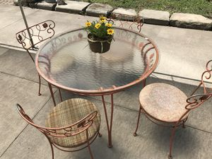 Vintage Orange Iron Table & Chairs for Sale in Cleveland, OH
