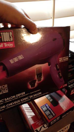 Vendo j6egos de secadoras pinsas.y leasadoras para pelo for Sale in Sanger, CA