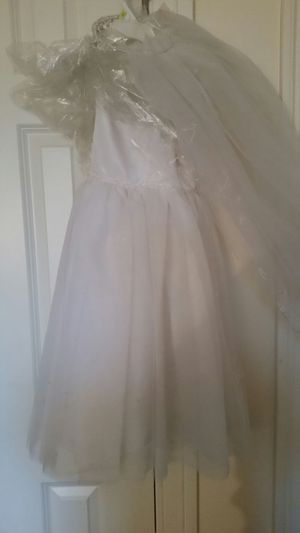 Flower Girl Dress with Veil for Sale in Berlin, CT