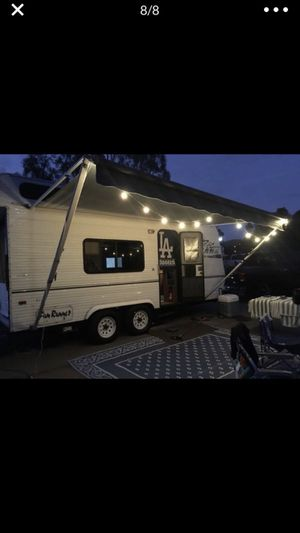 Toy hauler 18ft 2000 Carson fun runner for Sale in Rancho Cucamonga, CA