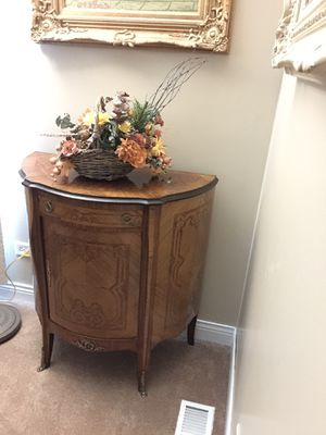 Antique demilune table for Sale in Barrington, IL