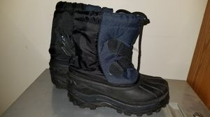 Kid's Snow Boots Size 1 for Sale in Reading, PA