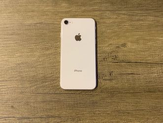 iPhone 8 Unlocked for Sale in San Marcos,  CA