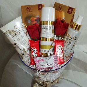 Pure Romance Bath Gift Set for Sale in Fayetteville, GA